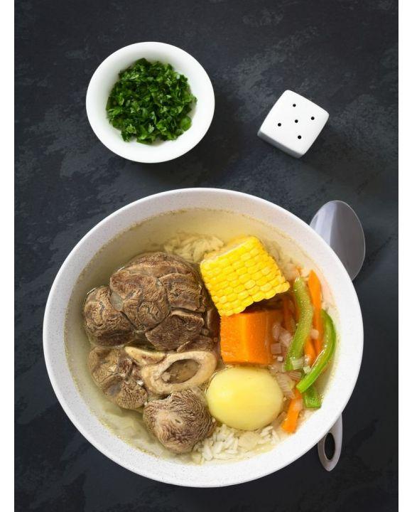 Lais Puzzle - Traditionelle chilenische Cazuela de Vacuno oder Cazuela de Carne, eine Rindfleischsuppe mit Kartoffeln, Mais, Kürbis, Karotten, Paprika, Zwiebeln und Reis, oben auf Schiefer mit natürlichem Licht fotografiert - 500 & 1.000 Teile