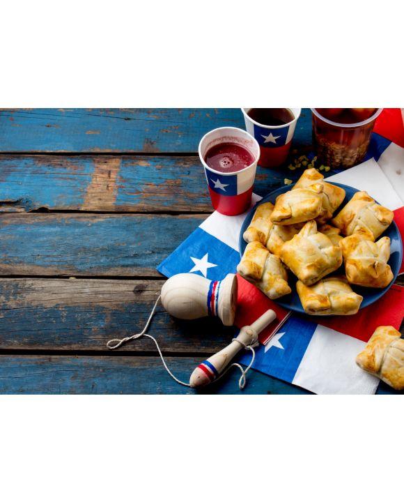 Lais Puzzle - Konzept des chilenischen Unabhängigkeitstags. Fiestas Patrias. Chilenisches typisches Gericht und Getränk am Unabhängigkeitstag, 18. September. Mini Empanadas, Mote con Huesillo, Wein mit geröstetem Mehl, Chicha - 100, 200, 500 & 1.000 Teile