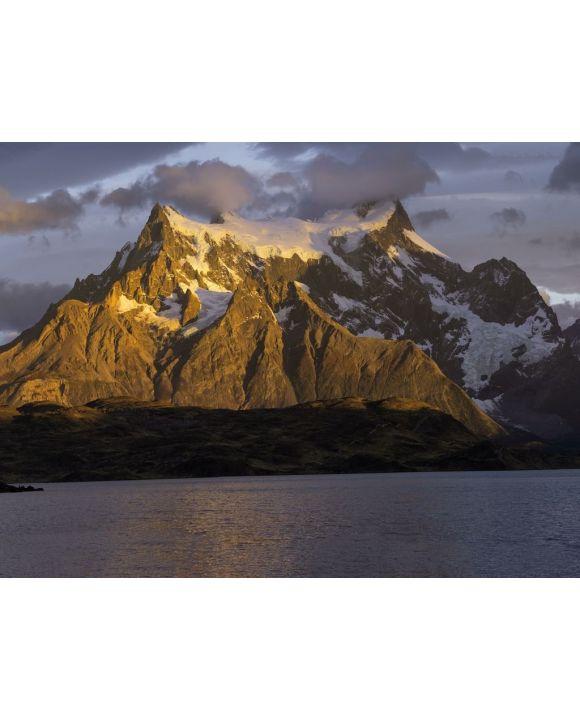 Lais Puzzle - Sonnenaufgang über Cuernos del Paine, Lago Pehoe, Nationalpark Torres del Paine, chilenisches Patagonien, Chile, Südamerika - 100, 200, 500, 1.000 & 2.000 Teile