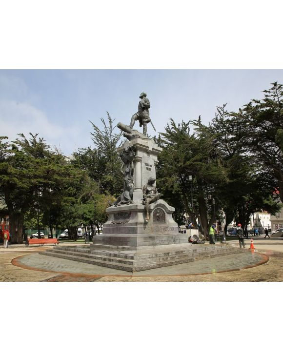 Lais Puzzle - Denkmal für Hernando Magallanes, Plaza Muñoz Gamero, Punta Arenen, Chile - 100, 200, 500, 1.000 & 2.000 Teile