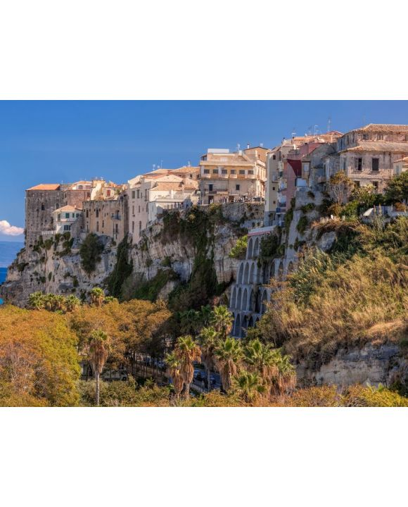 Lais Puzzle - Panorama der Kirche Santa Maria dell'Isola mit Tropea-Stadt in Kalabrien, Italien - 100, 200, 500, 1.000 & 2.000 Teile