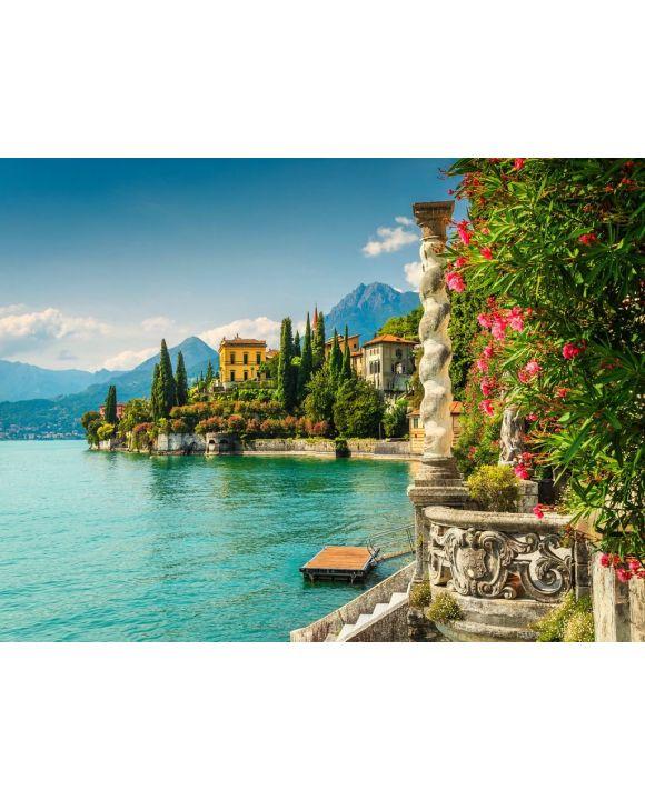 Lais Puzzle - Oleander Blumen und Villa Monastero im Hintergrund, Comer See, Varenna - 100, 200, 500, 1.000 & 2.000 Teile