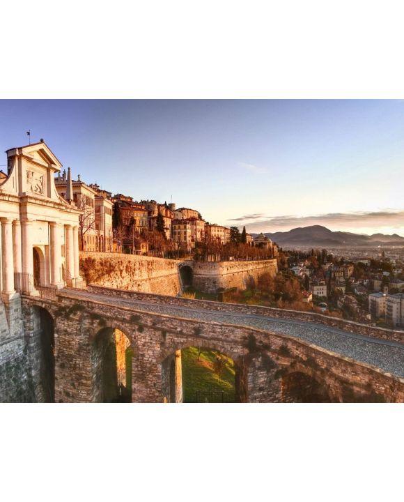 Lais Puzzle - Bergamo, Porta san Giacomo, alte Tür zur Oberstadt von Bergamo, Italien - 100, 200, 500, 1.000 & 2.000 Teile