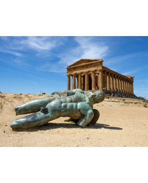 Lais Puzzle - Bronzestatue des Ikarus vor den Ruinen des Concordia-Tempels im Tal der Tempel bei Agrigento auf der italienischen Insel Sizilien - 500 & 1.000 Teile
