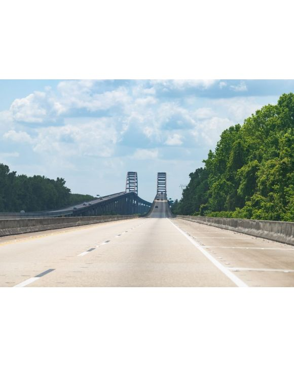 Lais Puzzle - Bay Minette mit der Interstate Highway Road i-65 in Alabama mit der Brücke von General WK Wilson Jr. über Mobile Bay Water im Sommer - 500 & 1.000 Teile