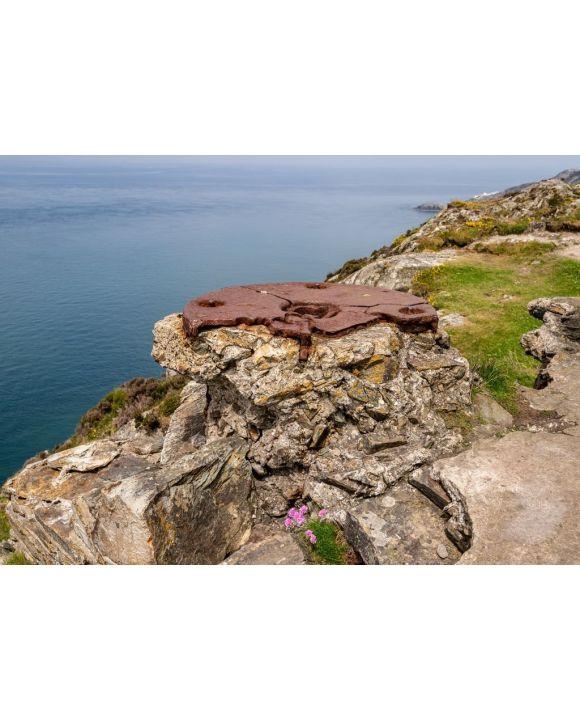 Lais Puzzle - Küste von Anglesey bei Holyhead, mit North Stack im Hintergrund, Wales - 500 & 1.000 Teile