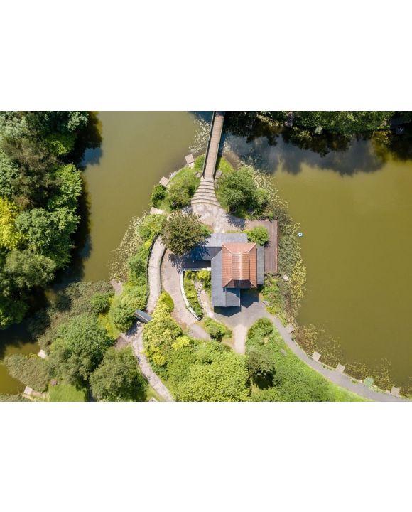 Lais Puzzle - Sicht von oben auf die alte japanische Pagode auf dem Gartenfestgelände, Ebbw Vale, Wales - 500 & 1.000 Teile
