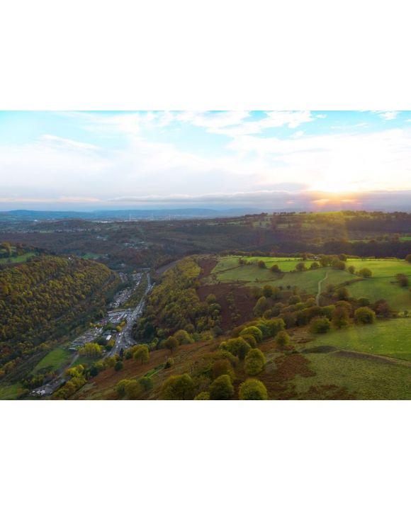 Lais Puzzle - Schöne Luftaufnahme der Täler in Südwales, Blaenau Gwent, Abertillery - 500 & 1.000 Teile