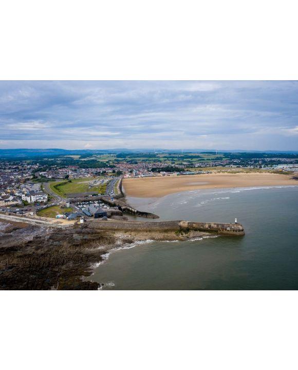 Lais Puzzle - Luftaufnahme des Strandes und Hafens von Porthcawl und des Jahrmarktes in Südwales UK - 500 & 1.000 Teile