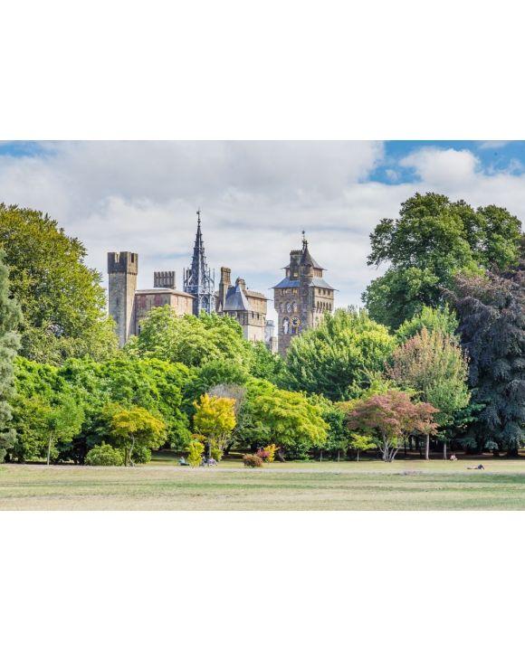 Lais Puzzle - Blick auf das Schloss von Cardiff vom Bute-Park im Zentrum von Cardiff, Wales, UK - 500 & 1.000 Teile