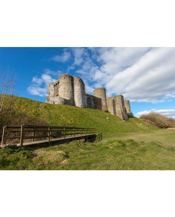 Lais Puzzle - Kidwelly Castle ist ein normannisches Schloss mit Blick auf den Fluss Gwendraeth und die Stadt Kidwelly, Carmarthenshire, Wales - 500 & 1.000 Teile