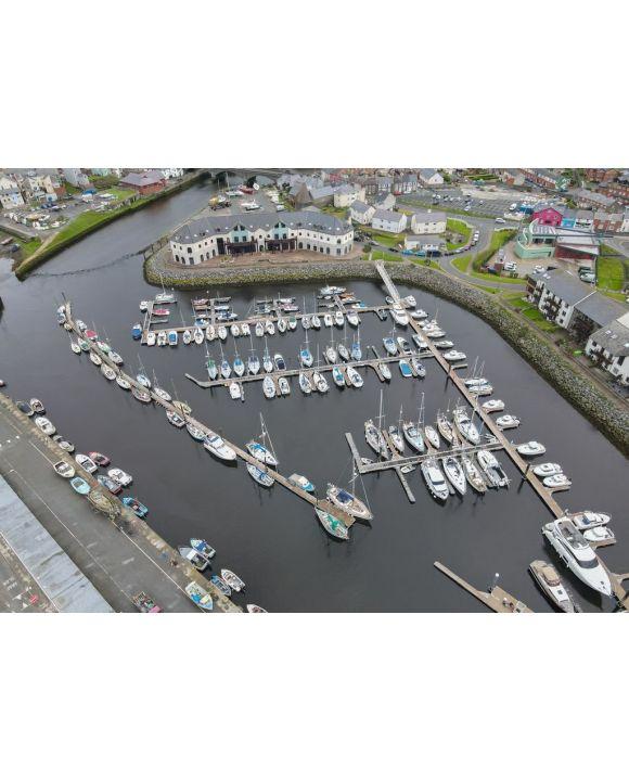 Lais Puzzle - Boote im Hafen von Aberystwyth Marina, Ceredigion, Wales, Großbritannien, direkt an der Küste der Irischen See - 500 & 1.000 Teile