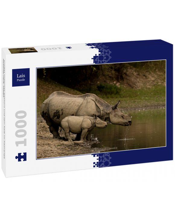 Lais Puzzle - Großes Indisches Nashorn und sein Kalb im Kaziranga National Park, Indien - 1.000 Teile