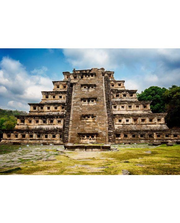Lais Puzzle - Pyramide De Los Nidos in Tajín, Veracruz Mexiko. Sie hat 365 Fenster, die als Sonnenkalender dienten, und einen Tempel auf der Spitze. Der Stamm der Totonacas lebte früher in diesem schönen Pyramidenkomplex - 500 & 1.000 Teile