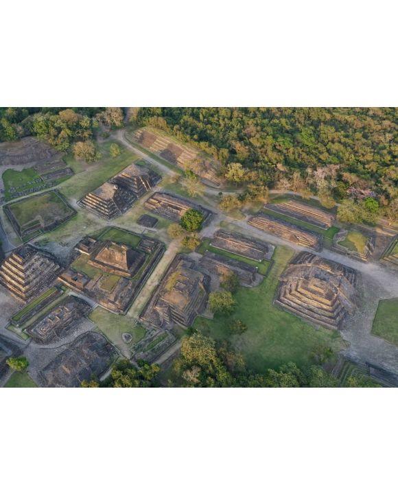 Lais Puzzle - Pyramiden El Tajín, eine alte Stadt in Veracruz Mexiko ist eine schöne archäologische Stätte der UNESCO. Religiöse Tempel, Pyramiden und die Stadt diente dem Stamm der Totonacas - 500 & 1.000 Teile