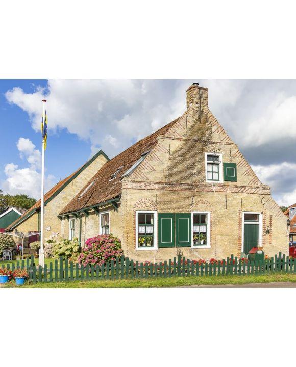 Lais Puzzle - Eine der schönen alten Hütten (erbaut 1516) auf der Insel Ameland - 500 & 1.000 Teile