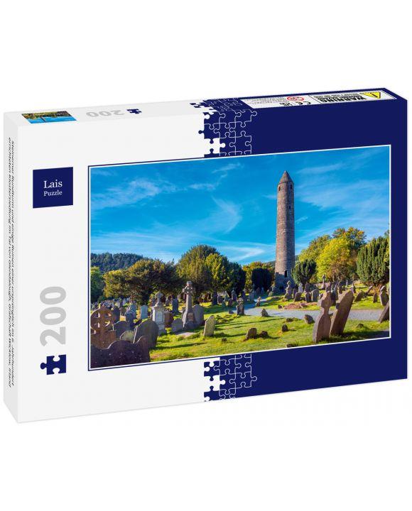 Lais Puzzle - Steinerner Rundturm und einige Ruinen einer ursprünglich im 6. Jahrhundert errichteten Klostersiedlung im Tal von Glendalough, Grafschaft Wicklow, Irland - 200 Teile