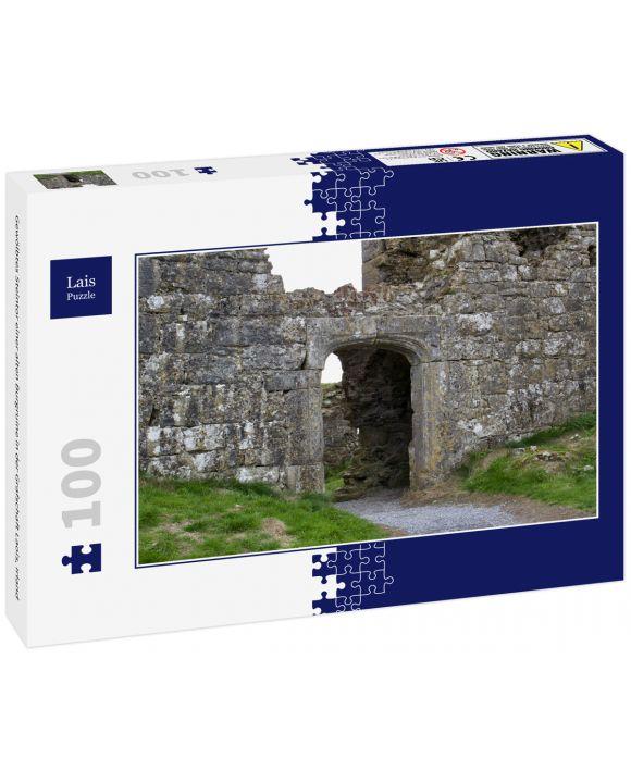 Lais Puzzle - Gewölbtes Steintor einer alten Burgruine in der Grafschaft Laois, Irland - 100 Teile